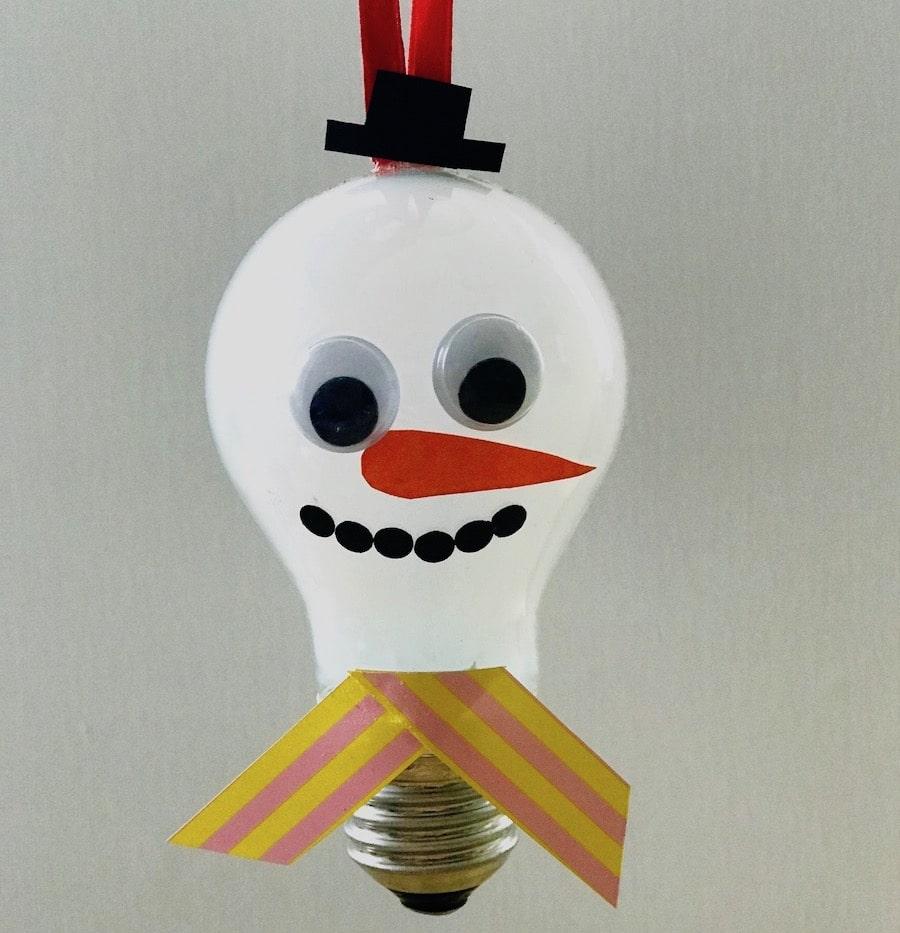 DIY Baumschmuck aus Gluehlampen, selber machen, Upcycling, Weihnachten, Schneemann