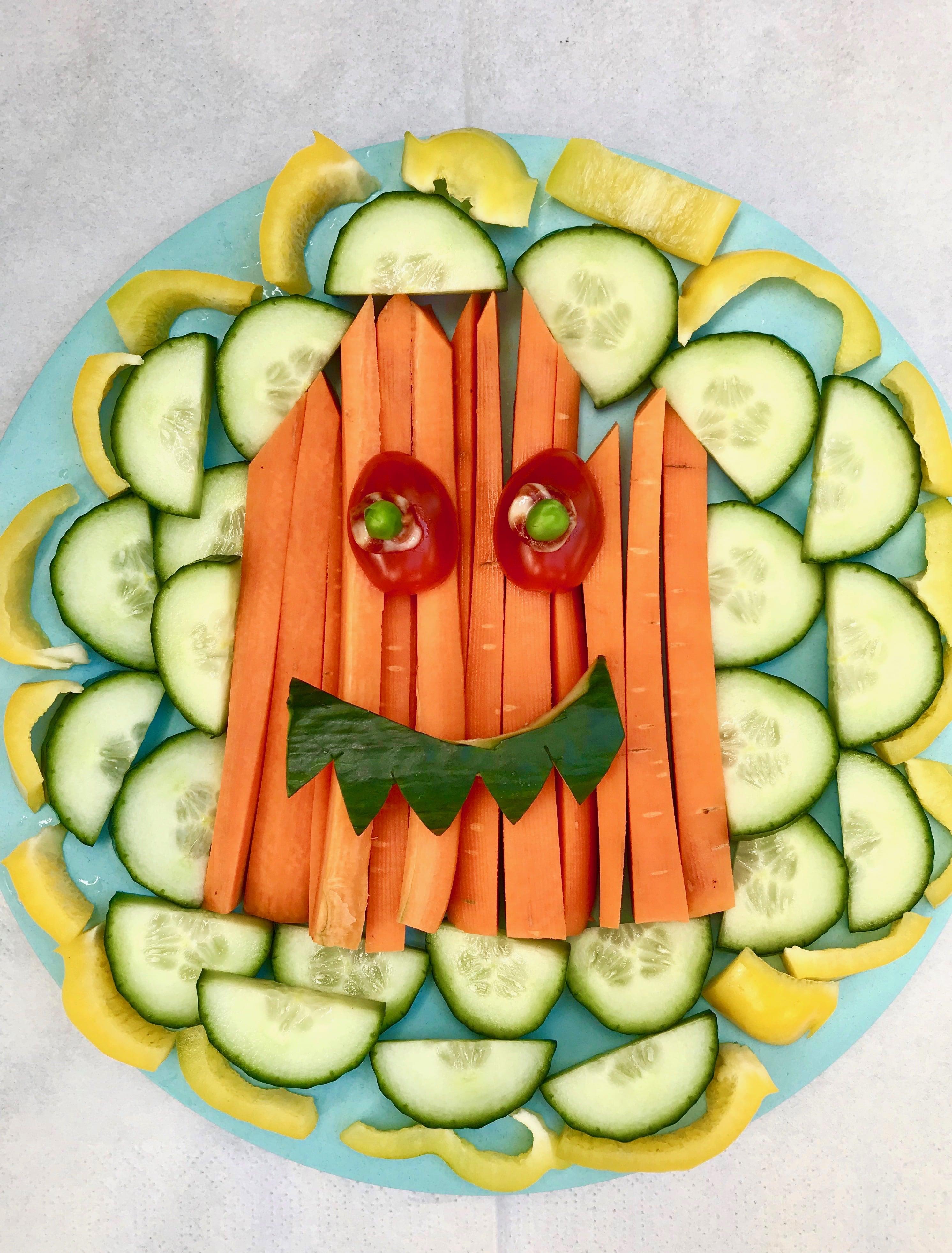 Buntes Halloween Gemüsegespenst Fingerfood Für Kinder