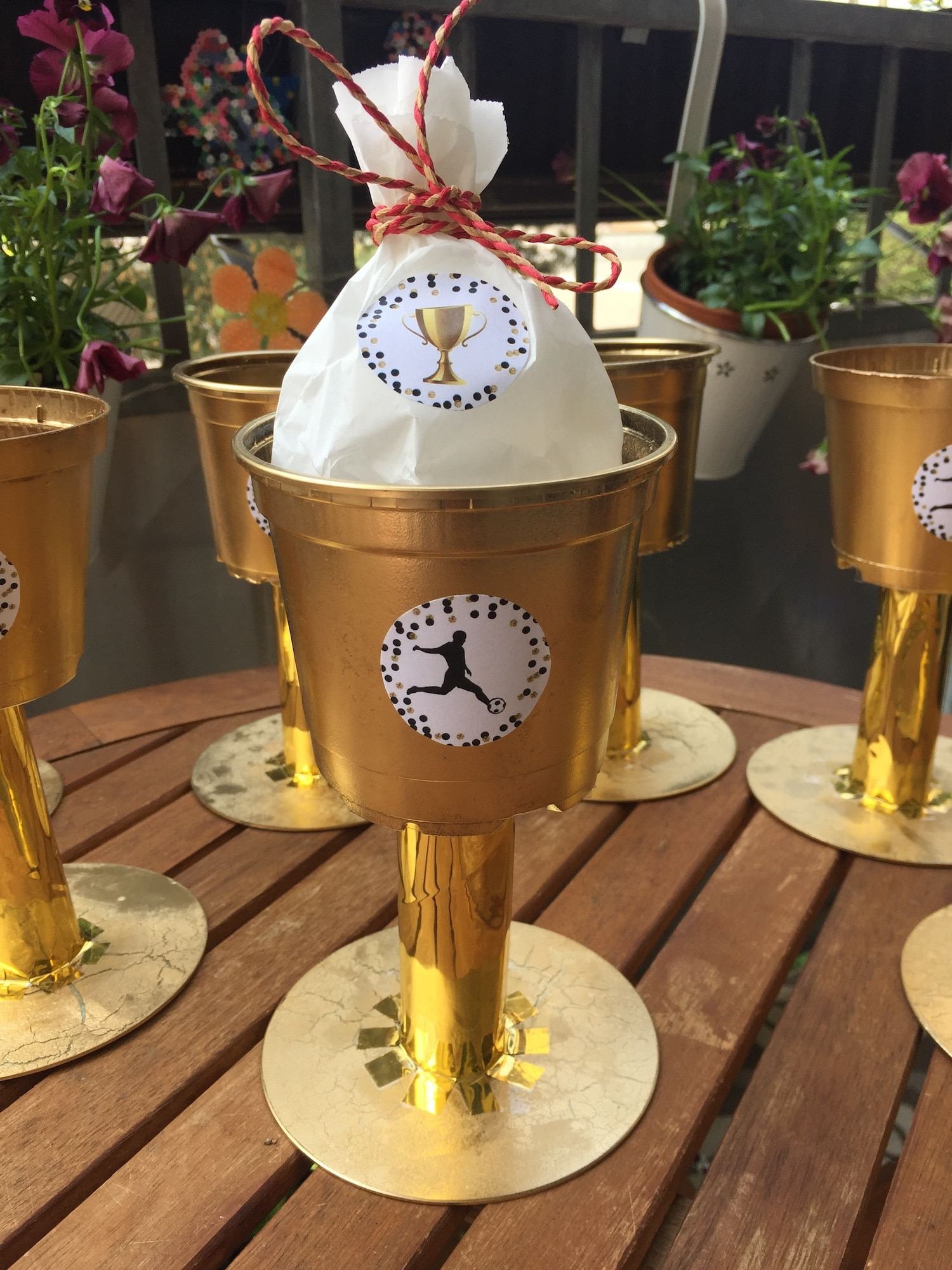 Upcycling Pokal selber machen Anleitung