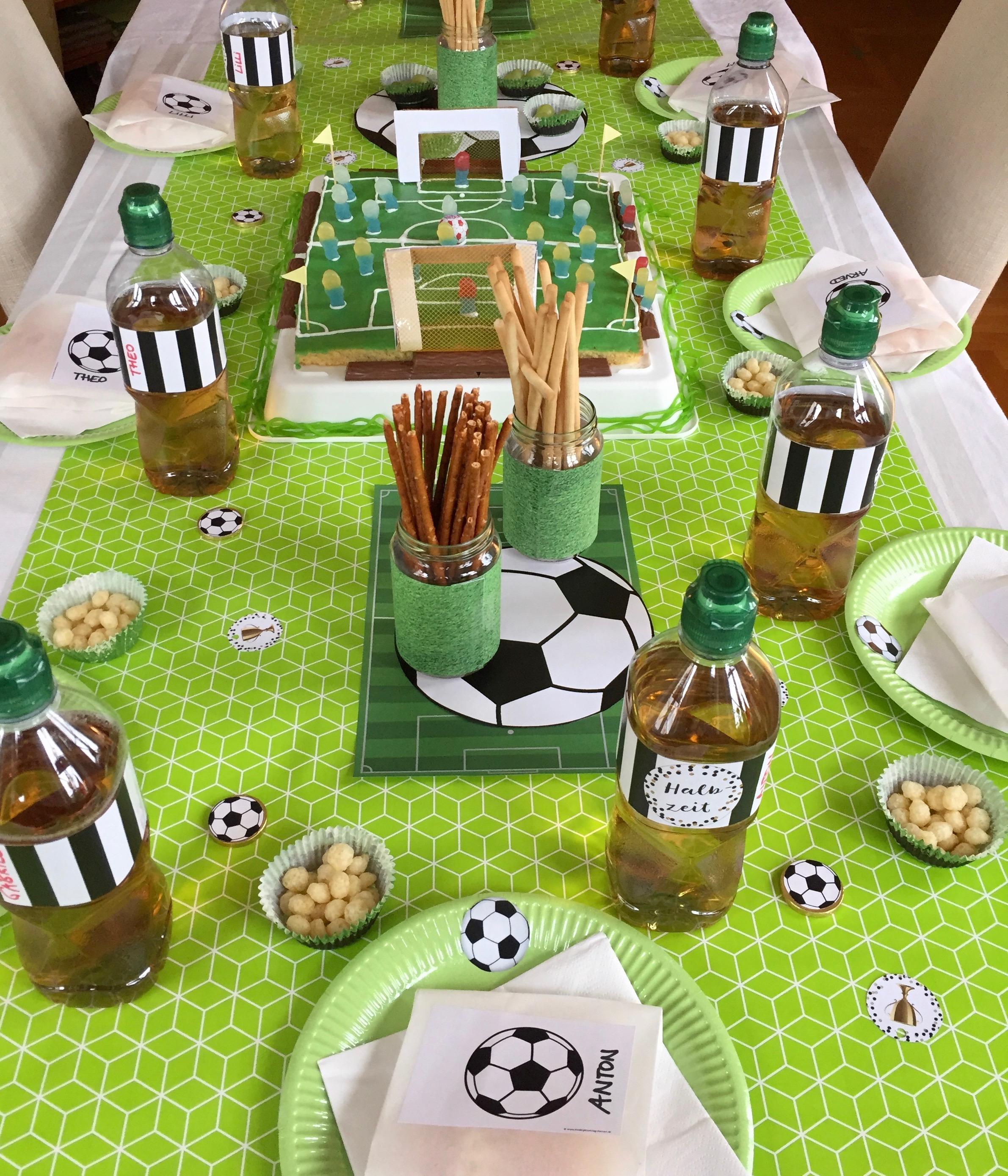 Fußball Tischdekration selber machen