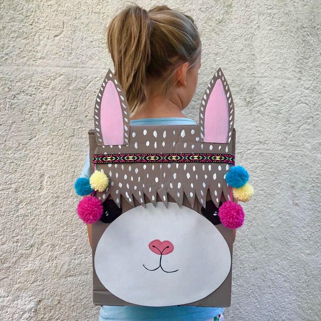 Kinder Spielzeug selber machen, Alpaka Rucksack für Kinder aus Pappe basteln, Upcycling