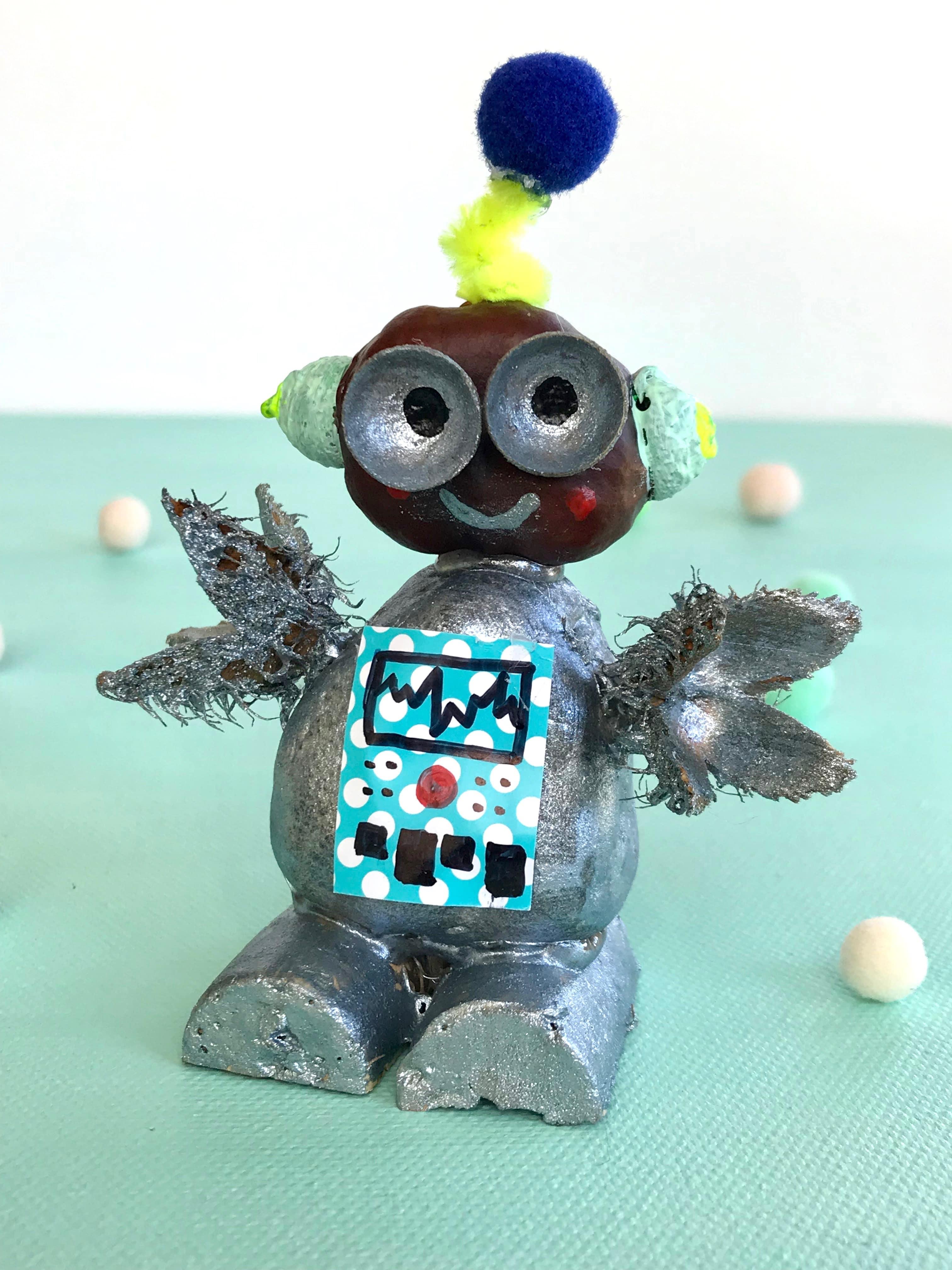 DIY Robotor aus Naturmaterialien basteln, Kastanienfigur