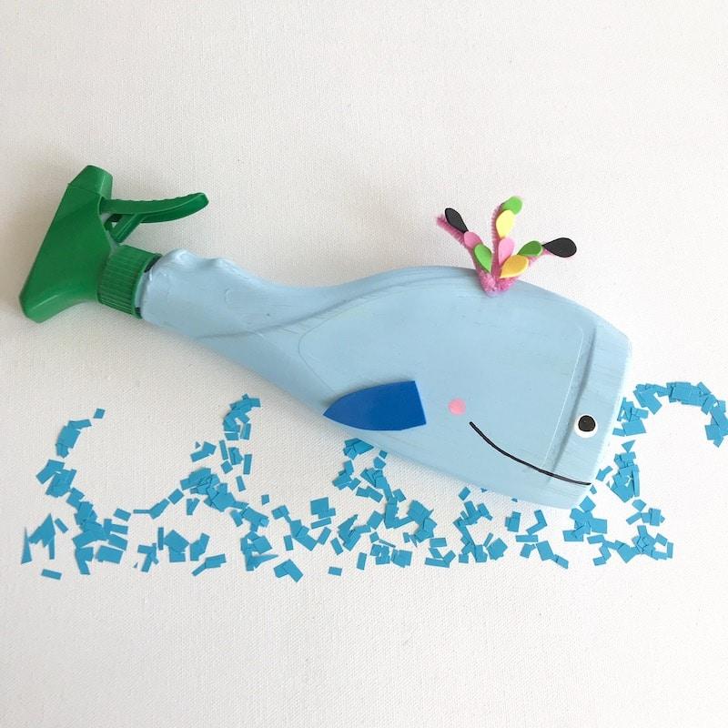 Wasserspiele fuer Kinder selber machen, Wal basteln, umweltfreundliches Wasserspielzeug