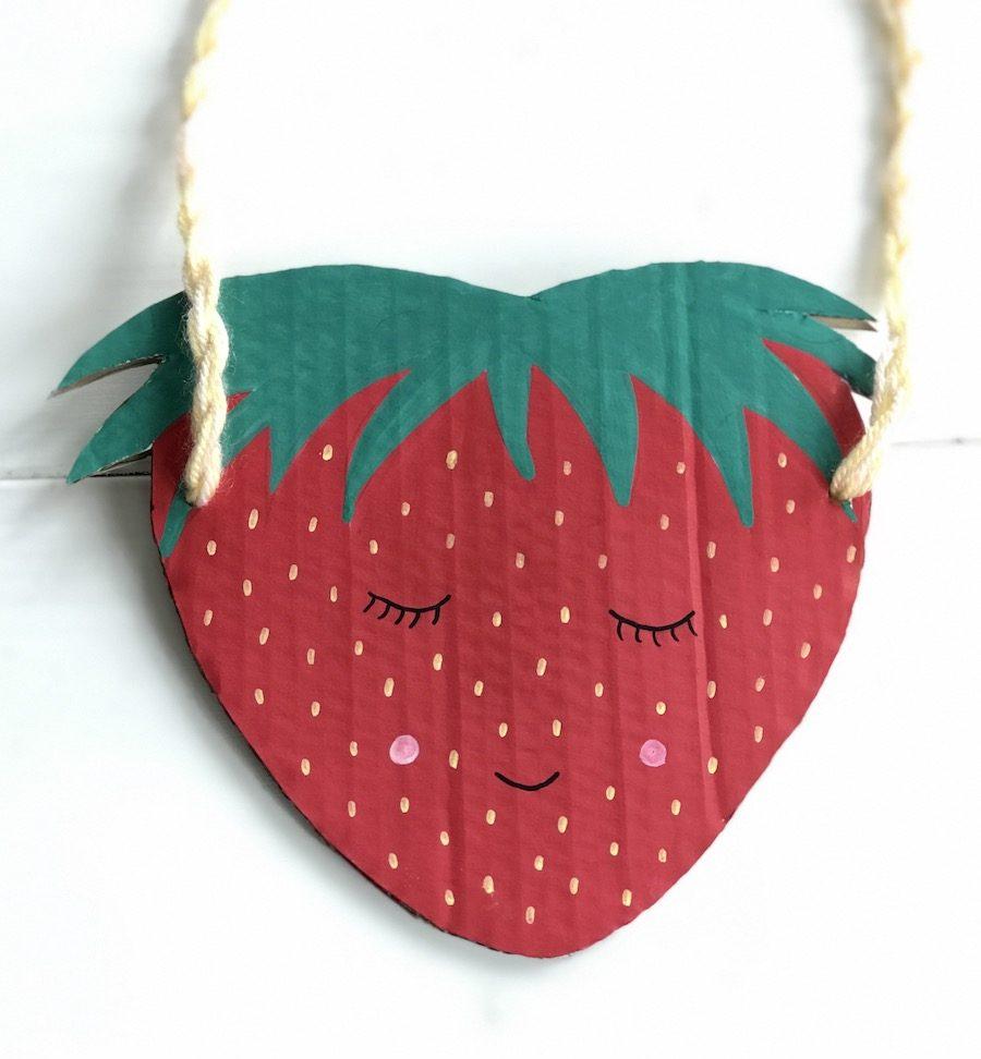Basteln auf Kindergeburtstag, Tutti Frutti Upcycling Gastgeschenk basteln, Erdbeere